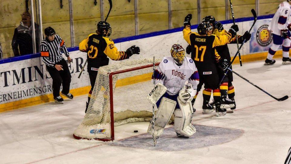 eishockey-online.com/Alwin Zwibel